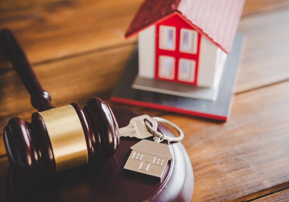 PREIV Immobilien GmbH_Rechtsanwalt Fachanwalt Helmut Schneider Immobilien Investments Kaiserslautern_Kanzlei
